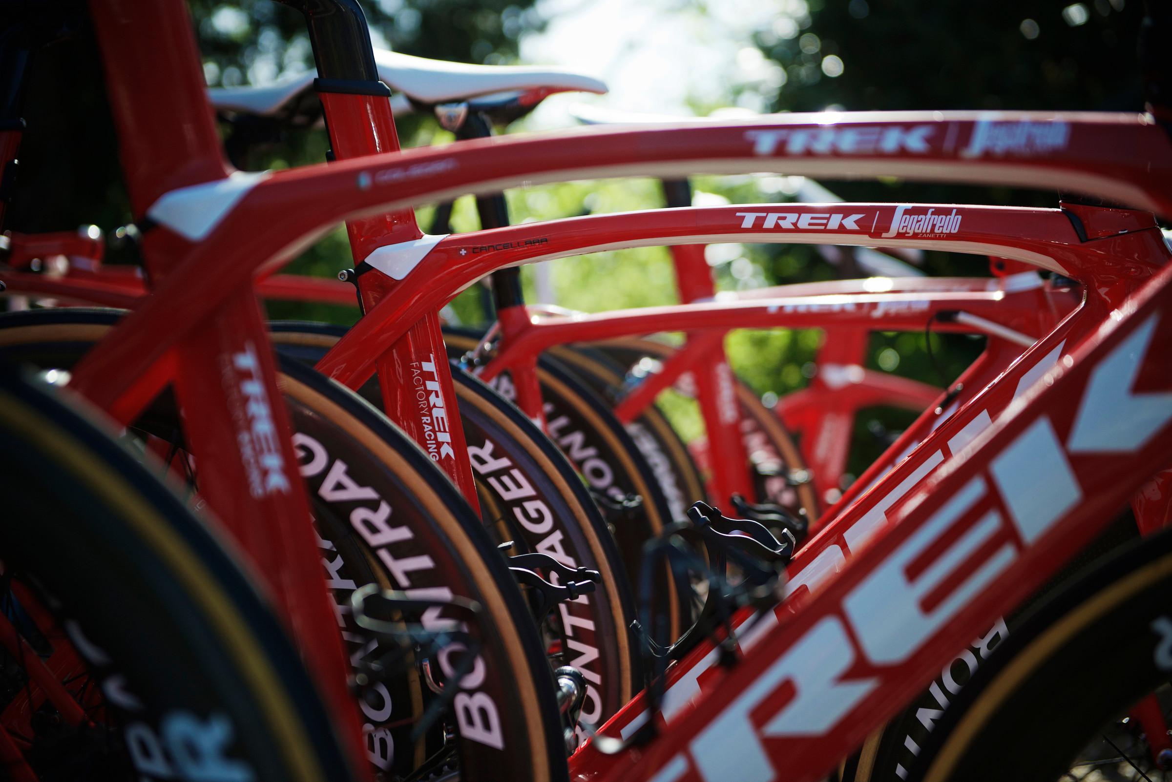 Bikes in Ashburton, Devon • Bigpeaks com